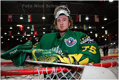 AD/HC - Wolves(ijshockey)-doelman Brock McGillis - DEN HAAG 7 FEBRUARI 2006 - FOTO NICO SCHOUTEN