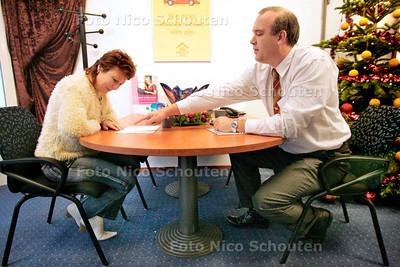 AD/HC - inloop-zorgspreekuur - RIJSWIJK 6 JANUARI 2005 - FOTO NICO SCHOUTEN