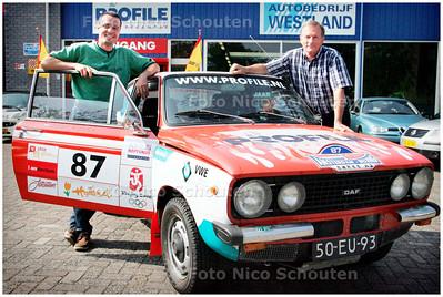 AD/HC - Peter van den berg en Denis Dullemans die met twee DAF's 66 Amsterdam-Peking rijden - WATERINGEN 6 JULI 2006 - FOTO NICO SCHOUTEN