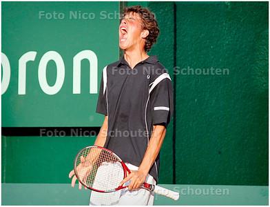AD/HC - METS SIEMENS OPEN - Robin Haase tegen Daniel Elsner, herenenkel - Robin Haase ontlaat nadat hij de setbreak in de 2e set terug gepakt heeft- SCHEVENINGEN 13 JULI 2006 - FOTO NICO SCHOUTEN