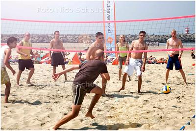 AD/HC - Brunotti Beachsport stadion, voorafgaand is er beachvolleyball - SCHEVENINGEN 30 JUNI 2006 - FOTO NICO SCHOUTEN