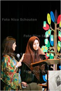 AAD/HC - INTERNATIONALE VROUWENWEEK, VEURS COLLEGE - Dadia Saleh, vluchteling uit Irak verteld haar verhaal - LEIDSCHENDAM 11 MAART 2006 - FOTO NICO SCHOUTEN