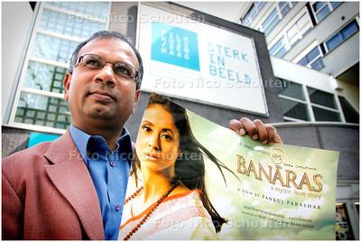AD/HC - AMAR K SOEKHLAL, ORGANISATOR HINDUSTAAN FILM-EN MUZIEKFESTIVAL - DEN HAAG 12 MEEI 2006 - FOTO NICO SCHOUTEN