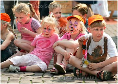 AD/HC - KINDERFEEST ORANJELUST - VOORBURG 5 MEI 2006 - FOTO NICO SCHOUTEN