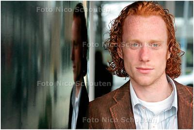 AD/HC - Tonegido-speler Cees Jan van den Berg - VOORBURG 1 MEI 2006 - FOTO NICO SCHOUTEN