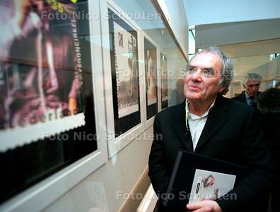 AD/HC - Pierre Bernard winnaar Erasmusprijs  Expositie Communicatiemuseum - DEN HAAG 24 NOVEMBER 2006 - FOTO NICO SCHOUTEN