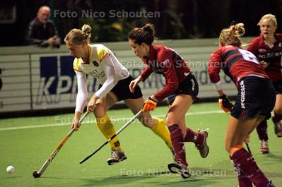 AD/RD - dames Hockeywedstrijd: Klein Zwitserland-Victoria - DEN HAAG 8 NOVEMBER 2006 - FOT0 NICO SCHOUTEN