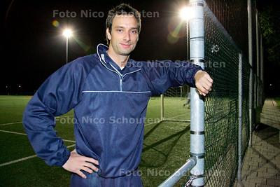 AD/HC -  Theo Wildschut, voetballer van Oliveo - PIJNACKER 10 NOVEMBER 2006 - FOTO NICO SCHOUTEN