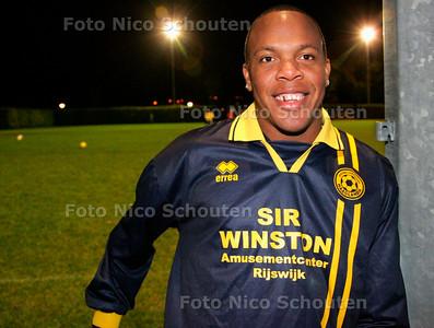 AD/HC -  Haaglandia-voetballer Brutil Hose - RIJSWIJK 9 NOVEMBER 2006 - FOTO  NICO SCHOUTEN