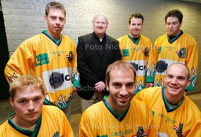 AD/HC - Buitenlandse nieuwkomers ijshockeyteam Wolves inclusief coach Alex Jacobs - DEN HAAG 29 SEPTEMBER 2006 - FOTO NICO SCHOUTEN