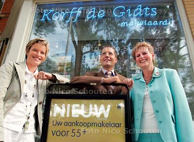 AD/HC - Makelaardij Korff de Gidts is de eerste in deze regio en de tweede in heel Nederland die een makelaardij voor 55-plussers - DEN HAAG 4 SEPTEMBER 2006 - FOTO NICO SCHOUTEN