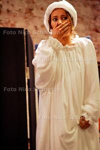 AD/HC - theatrale boekpresentatie Magreet Hofland - DEN HAAG 11 SEPTEMBER 2005 - FOTO NICO SCHOUTEN