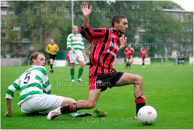 AD/HC - Voetbalwedstrijd SVLY - Te werve, SVLY in de aanval - DEN HAAG 21 AUGUSTUS 2007 - FOTO NICO SCHOUTEN