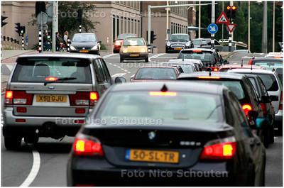 AD/HC - Autoverkeer op de Laan Copes van Cattenburch (zicht naar de Koninginnegracht) - DEN HAAG 31 AUGUSTUS 2007 - FOTO NICO SCHOUTEN