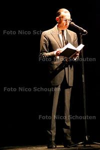 AD/HC - JULES DEELDER  op  SAINT AMOUR in het Stadstheater - ZOETERMEER 14 FEBRUARI 2007 - FOTO NICO SCHOUTEN