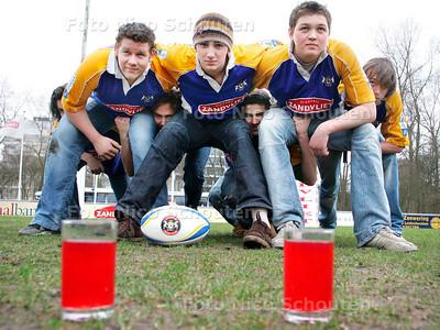 AD/HC - HDM RUGBY JEUGD - Rugby & drank (limonade) - DEN HAAG 26 FEBRUARI 2007 - FOTO NICO SCHOUTEN