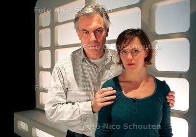AD/HC - Derek de Lint en Heike Wisse - ivm met rol die zij spelen in toneelstuk (bij verhaal JH Bakker) - DEN HAAG 14 FEBRUARI 2007 - FOTO NICO SCHOUTEN