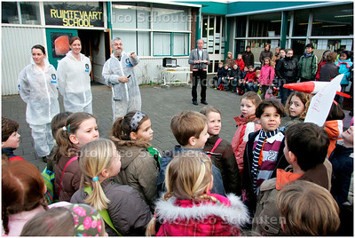 AD/HC - Mariaschool voor een week RUIMTEVAARTSCHOOL - LEIDSCHENDAM 5 MAART 2007 - FOTO NICO SCHOUTEN