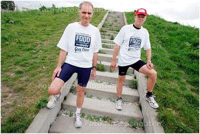 AD/HC - Jos Verwer en Luc Mekel, die gaan de marathon van de chinese muur rennen - LEIDSCHENDAM 14 MEI 2007 - FOTO NICO SCHOUTEN