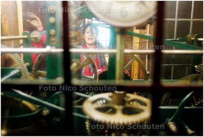 AD/HC - Dag van de Haagse Geschiedenis - Rondleiding op de Haagse toren. Een kijkje op het klokmechanisme - DEN HAAG 2 NOVEMBER 2007 - FOTO NICO SCHOUTEN