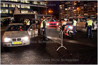 AD/HC - GROTE VERKEERSCONTROLE BOGAARDPLEIN - RIJSWIJK 16 NOVEMBER 2007 - FOTO NICO SCHOUTEN