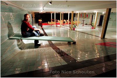 AD/HC - LOUISE VAN LUIJK in zwembad de Regentes - DEN HAAG 6 NOVEMBER 2007 - FOTO NICO SCHOUTEN