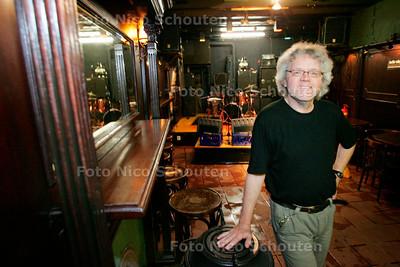 AD/HC - Allard Halberstadt, al 20 jaar eigenaar van muziekcafe de Pater - DEN HAAG 7 SEPTEMBER 2007 - FOTO NICO SCHOUTEN