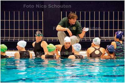 AD/HC - Arjen de Nooijer, trainer van HZ Zian dames waterpolo - DEN HAAG 5 SEPTEMBER 2007 - FOTO NICO SCHOUTEN