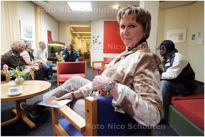 AD/HC - interview Netty Jansen Verplanke over het jubileum van het Aandachtscentrum - DEN HAAG 15 APRIL 2008 - FOTO NICO SCHOUTEN