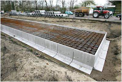 AD/HC - regenwaterbassin op het Mezenplein in aanleg - DEN HAAG 7 APRIL 2008 - FOTO NICO SCHOUTEN