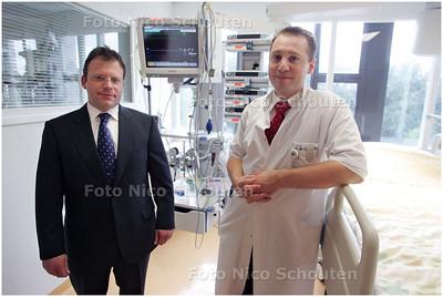 AD/HC - HR VOGELAAR (L) EN HR MELIEF - beide heren hebben het initiatief genomen voor een nieuw patientensysteem in het huidige hagaziekenhuis (ziekenhuis leyenburg) - DEN HAAG 21 AUGUSTUS 2008 - FOTO NICO SCHOUTEN
