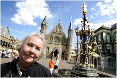 AD/HC - Thea van Bennekum, directeur van het Binnenhof Festival - DEN HAAG 14 AUGUSTUS 2008 - FOTO NICO SCHOUTEN