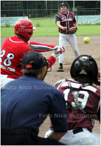 AD/HC - softbal: kokolishi-storks. Storkspitcher Ed Hoet - DEN HAAG16 AUGUSTUS 2008 - FOTO NICO SCHOUTEN