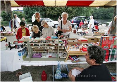 AD/HC - Op het Marseillepad wordt deze zomer enkele keren een snuffelmarkt gehouden - ZOETERMEER 9 AUGUSTUS 2008 - FOTO NICO SCHOUTEN