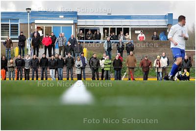 AD/HC - Publiek, supporters bij amateurvoetbalwedstrijd  DWO-Honselersdijk - ZOETERMEER 6 DECEMBER 2008 - FOTO NICO SCHOUTEN
