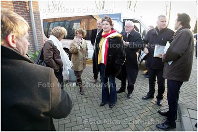 BERKEL EN RODENRIJS 13 DECEMBER 2008 - Informeel bezoek van minister Gerda Verburg (LNV) aan Oostland - FOTO NICO SCHOUTEN