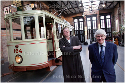 AD/HC - Opening verbouwd Tram-museum - Architect Rainer Bullhorst (l) en Directeur Peter Scheepmaker - DEN HAAG  11 DECEMBER 2008 - FOTO NICO SCHOUTEN