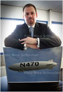 AD/RD - ERWIN KRIJGER ZEPPELINVLUCHTEN - DEN HAAG 15 FEBRUARI 2008 - FOTO NICO SCHOUTEN