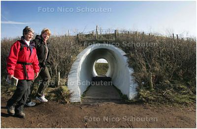 AD/HC - Kunstwerk Hemels Gewelf van James Turell op/in de puinduinen (de vulkaan in de volksmond) - DEN HAAG 18 FEBRUARI 2008 - FOTO NICO SCHOUTEN