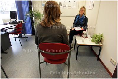 AD/HC - drugsspreekuur, Fiona van Loon, begeleidster - DEN HAAG 29 FEBRUARI 2008 - FOTO NICO SCHOUTEN