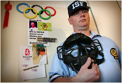 AD/HC - Softbal: scheidsrechter Rob Veldkamp - ZOETERMEER 25 FEBRUARI 2008 - FOTO NICO SCHOUTEN