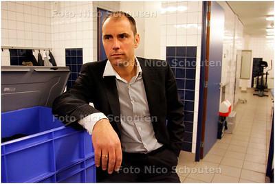 AD/HC - Voetbaltrainer John Blok van Quick Boys voor de bekerwedstrijd tegen Heerenveen - KATWIJK 16 JANUARI 2008 - FOTO NICO SCHOUTEN