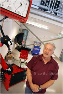 AD/HC - de heer Ansink, directeur van praktijkschool De Einder. Na ruim 30 jaar neemt de heer Ansink afscheid van zijn school - DEN HAAG 9 JULI 2008 - FOTO NICO SCHOUTEN