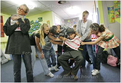 AD/HC - repetitie Afscheidsmusical basisschool De Floriant - ZOETERMEER 7 JULI 2008 - FOTO NICO SCHOUTEN