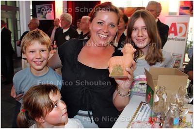 AD/HC - PRIJSUITREIKING LENTEPRIJS 2008 - Delftse winnaars (de Tuin van Bakkeren) - DEN HAAG 19 JUNI 2008 - FOTO NICO SCHOUTEN