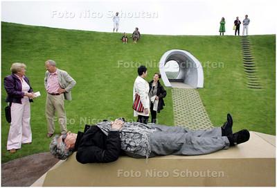 AD/HC - Kunstenaar James Turrell kon wegens ziekte niet naar Nederland komen om het gerestaureerde Hemels Gewelf (de krater op de puinduinen) te bezoeken. - DEN HAAG 1 JUNI 2008 - FOTO NICO SCHOUTEN