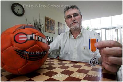 AD/HC - Jan Kok, hij is bekend in de Haagse handbal- en damwereld - DEN HAAG 4 JUNI 2008 - FOTO NICO SCHOUTEN
