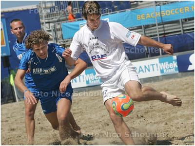 AD/HC - Beachsoccer: nationale beker eredivisie - kwartfinale: Dasslers/Riep Schoonmaakservice vs Diesel Service West (r) - DEN HAAG 15 JUNI 2008 - FOTO NICO SCHOUTEN