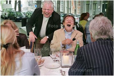 AD/HC - Jubileumdiner van de Heerenclub, bij Restaurant Le Bistroquet. Voorzitter Frits de Kousemaeker heeft een vrolijk onderonsje met Peter Robijns, commercieel directeur van ING Bank - DEN HAAG