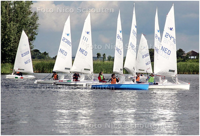 AD/HC - Watersportevenement op Noord Aa, Combi Rotterdam, Splash-klasse - ZOETERMEER 15 JUNI 2008 - FOTO NICO SCHOUTEN